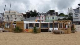 Containers aménagés en restaurant de plage