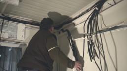 Arrivée des câbles au tableau électrique