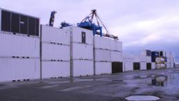 Les containers avant chargement sur le bateau