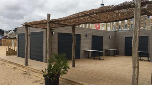 Pergola et terrasse du Polo Beach