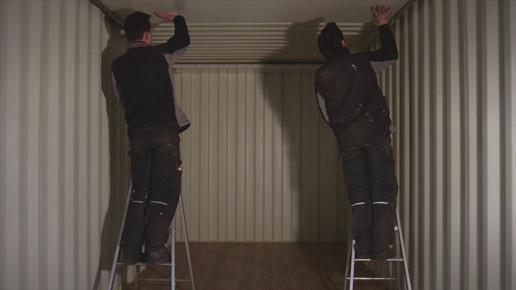 Pose de panneaux en plafond