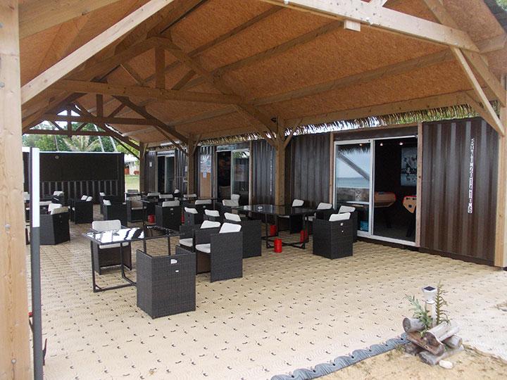 Salon d 39 ext rieur sous le far de l 39 espace loisir for Metier d exterieur